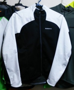 20150921-shimano-windbrake-jacket